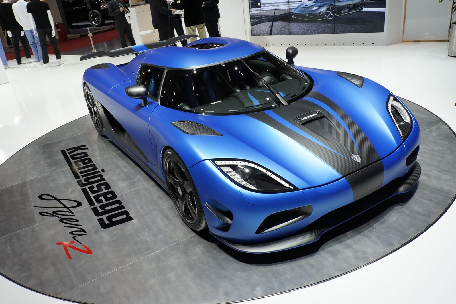 koenigsegg_agera_r_blue_awesome_image