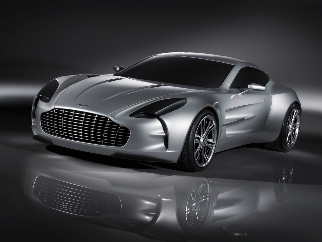 Aston Martin One-77 PHOTO: TheCarbonFiberJournal