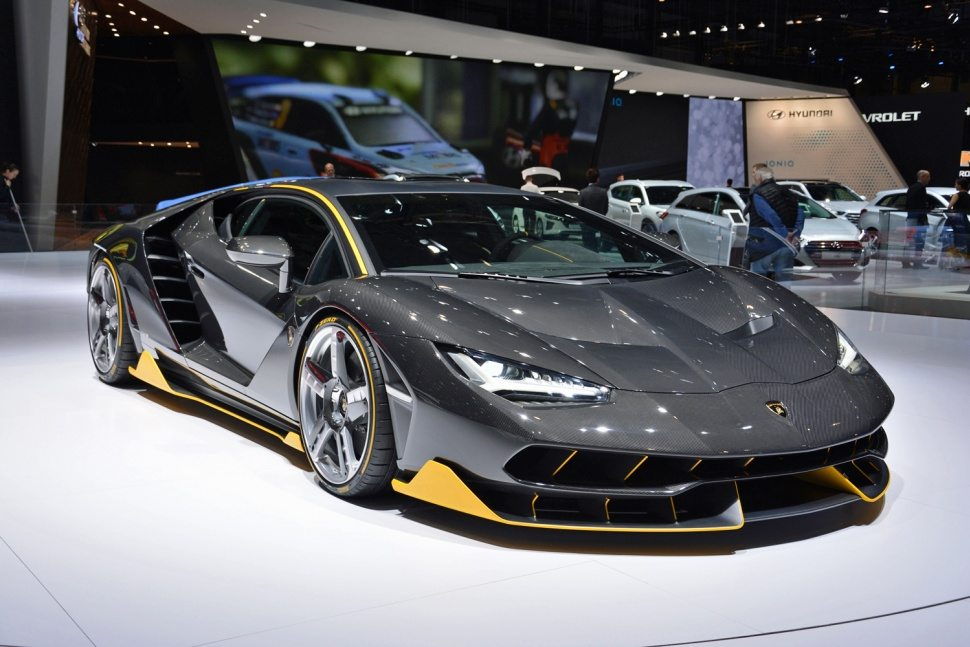 lamborghini centenario might be the best looking 770hp supercar on the market moto networks. Black Bedroom Furniture Sets. Home Design Ideas