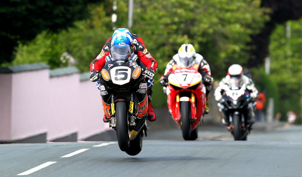 The Isle of Man TT Is The Most Insane Motorcycle Road Race In The World - Moto Networks