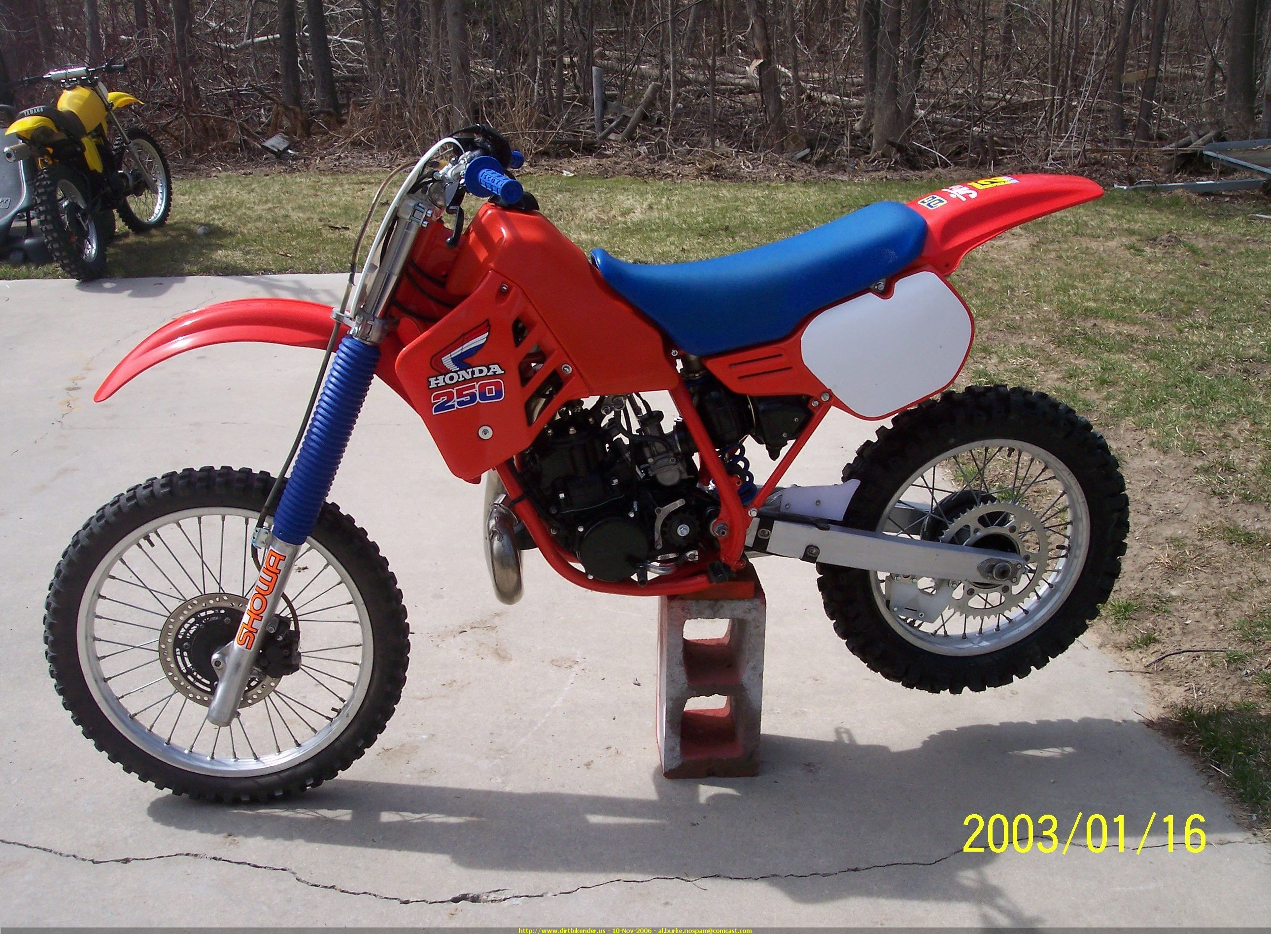 1985 CR250R 2-stroke Photo: dirtbikerider