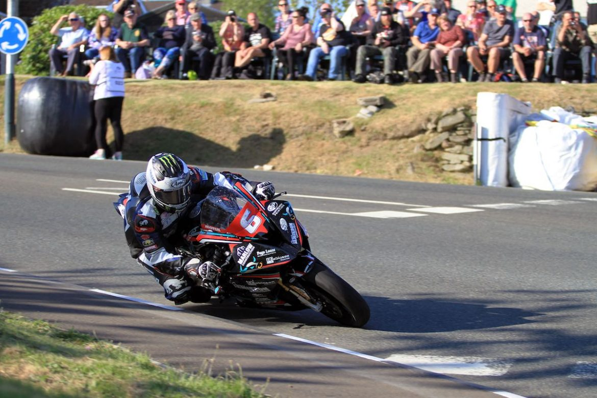 Michael Dunlop on his BMW Superbike Photo: ultimatemotorcycling