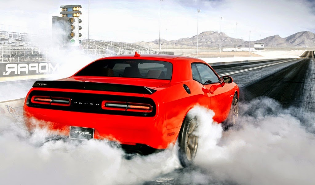 2016 Dodge Challenger Hellcat Wallpaper >> Can A Hellcat Challenger Beat The Mighty GTR And 911 Turbo S In A Drag Race? - Moto Networks