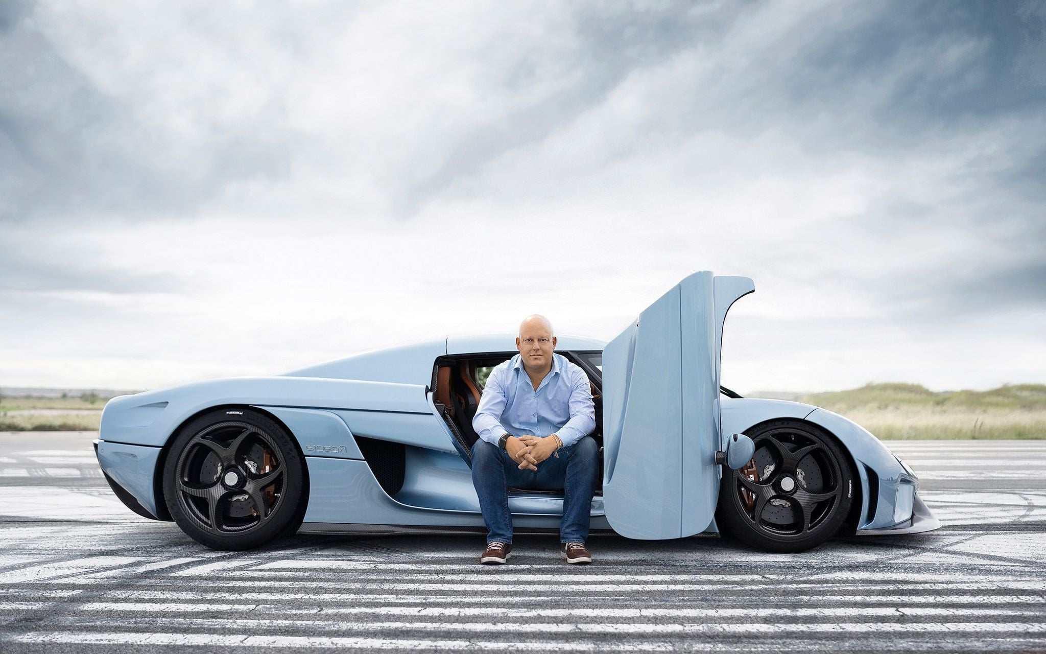 Christian Von Koenigsegg posing with the Regera Photo: wallpapersqq