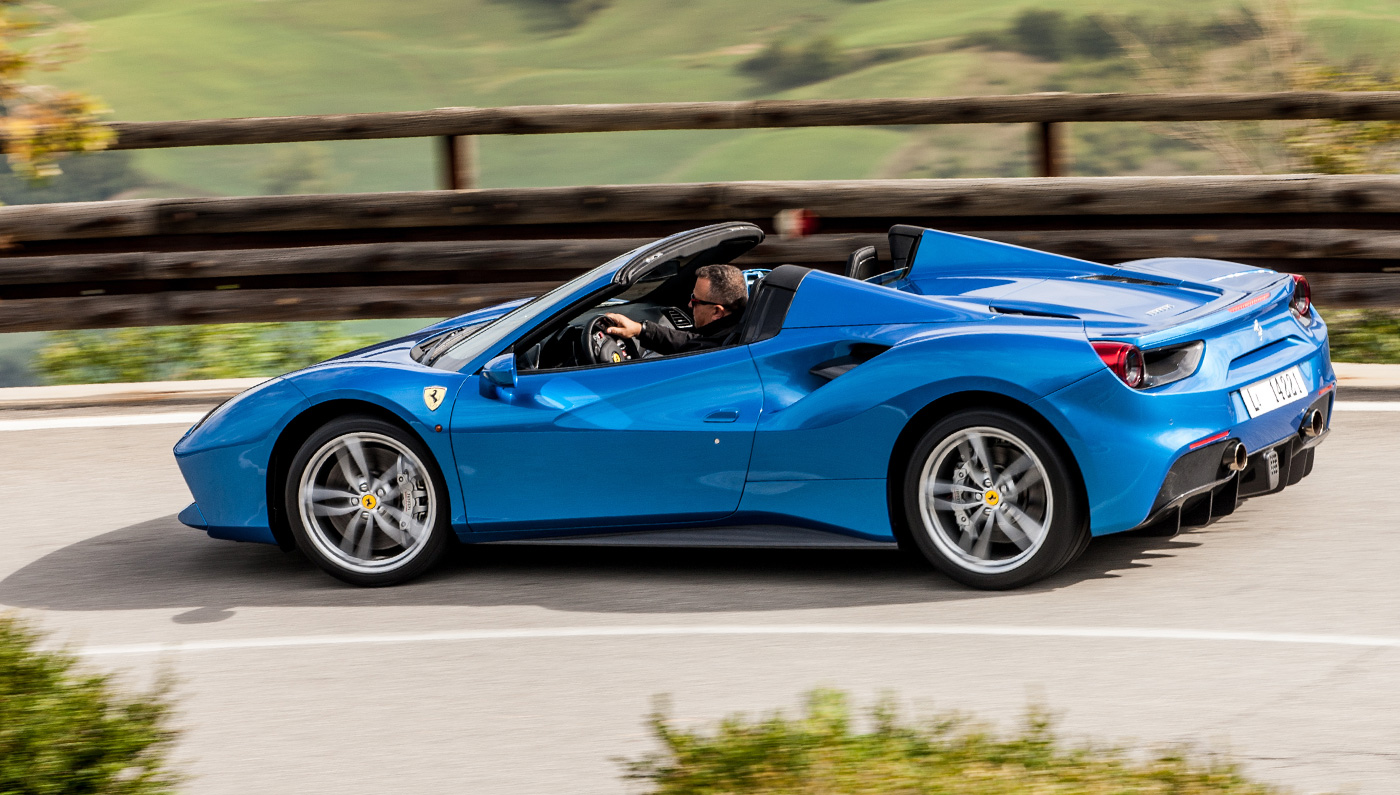 the ferrari 488 might be too fast for the road but here 39 s why that 39 s a good thing moto networks. Black Bedroom Furniture Sets. Home Design Ideas