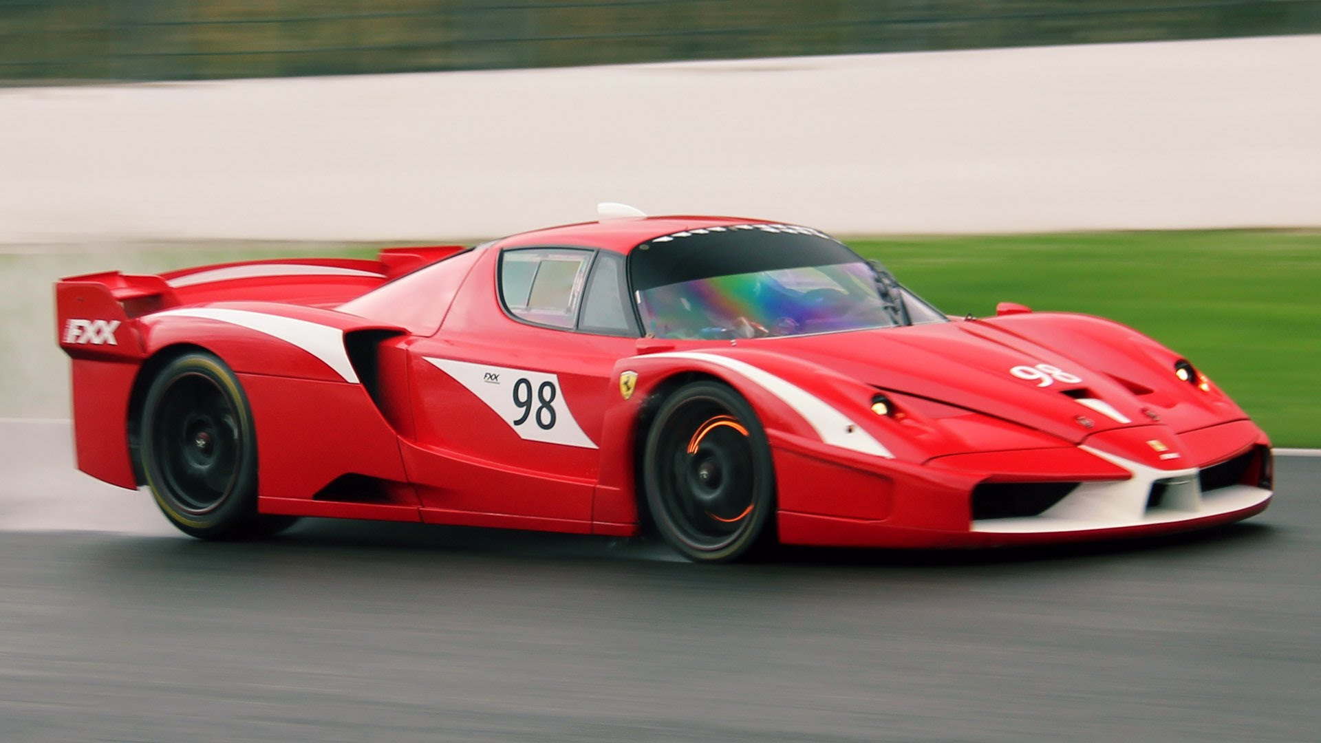 Ferrari FXX Photo: youtube