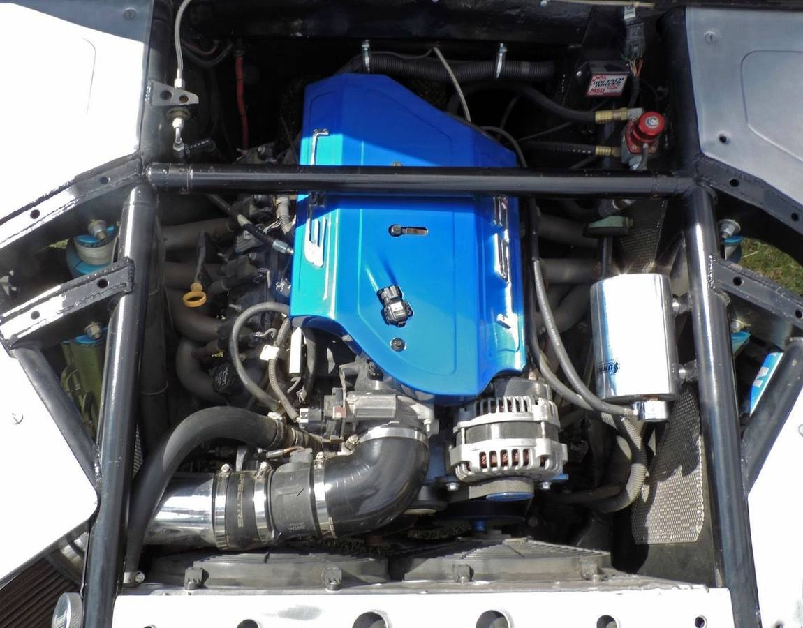 The 570hp LS3 V8 Photo: craigslist