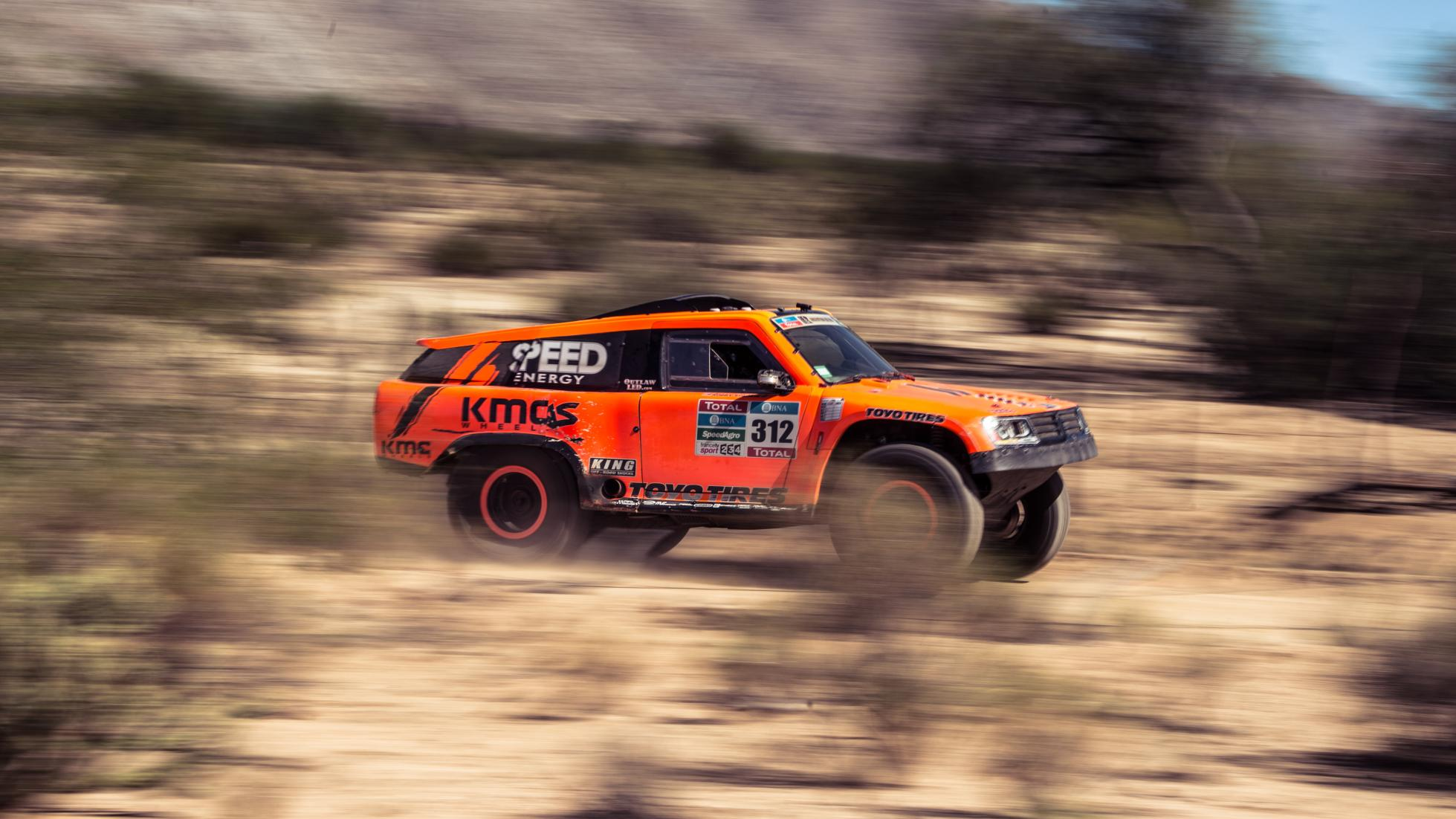 Gordon's Dakar Car with 800hp Photo: topgear