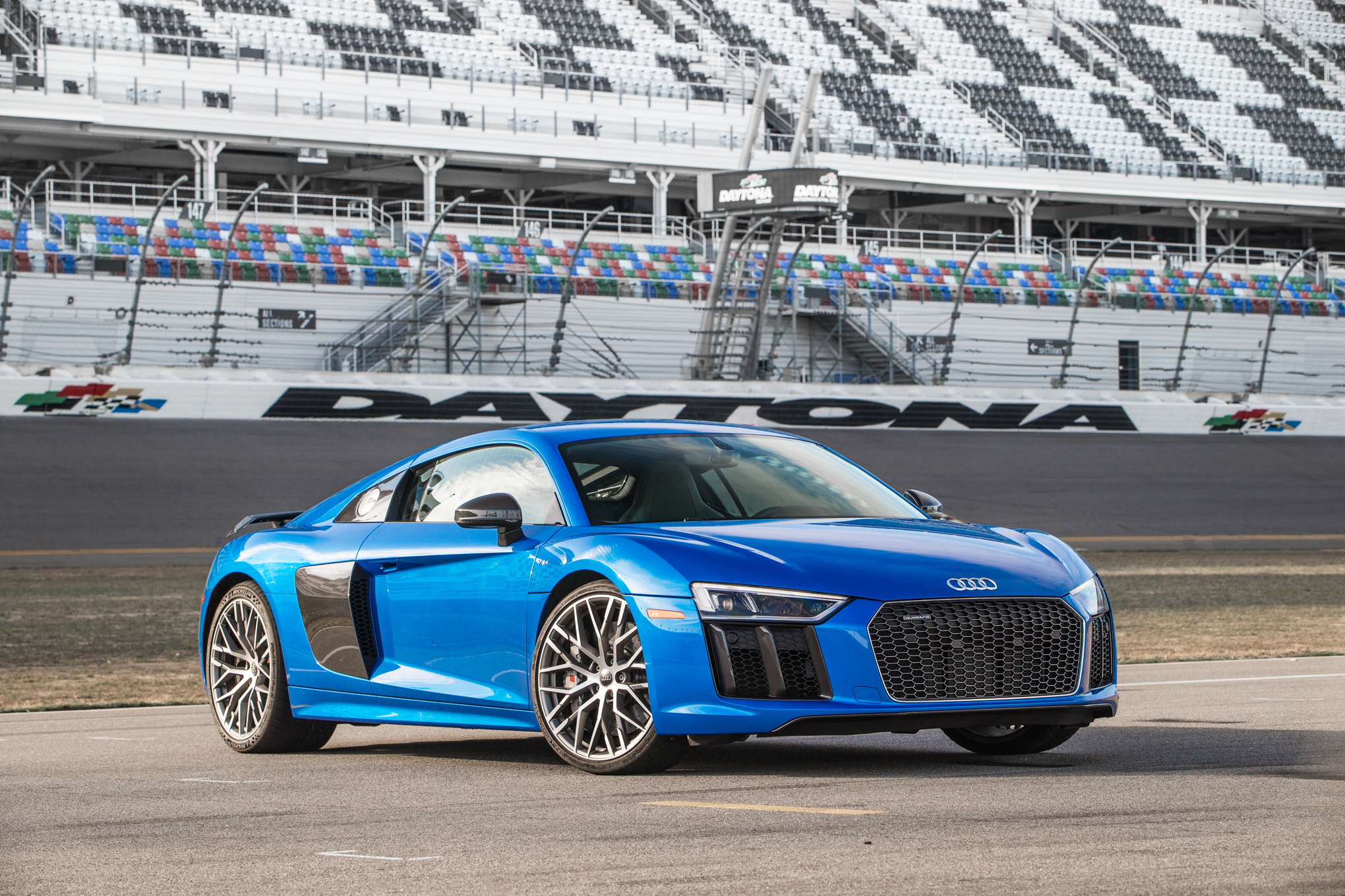 Audi R8 V10 Plus Photo: motortrend