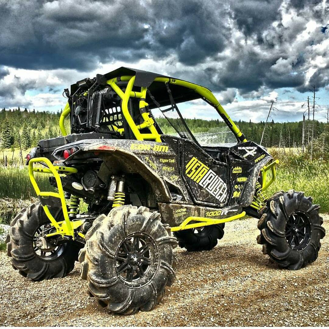 hooning the frozen north with the new maverick x3 will make you want one moto networks. Black Bedroom Furniture Sets. Home Design Ideas