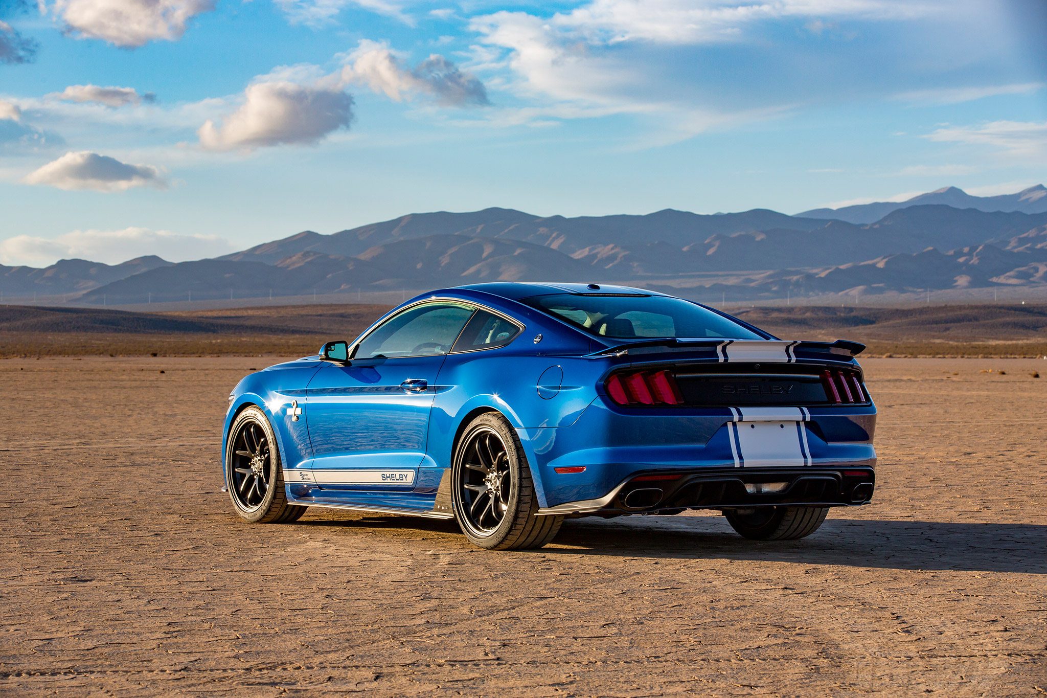 ford and shelby celebrate 50th anniversary with a 750hp 2017 mustang super snake moto networks. Black Bedroom Furniture Sets. Home Design Ideas