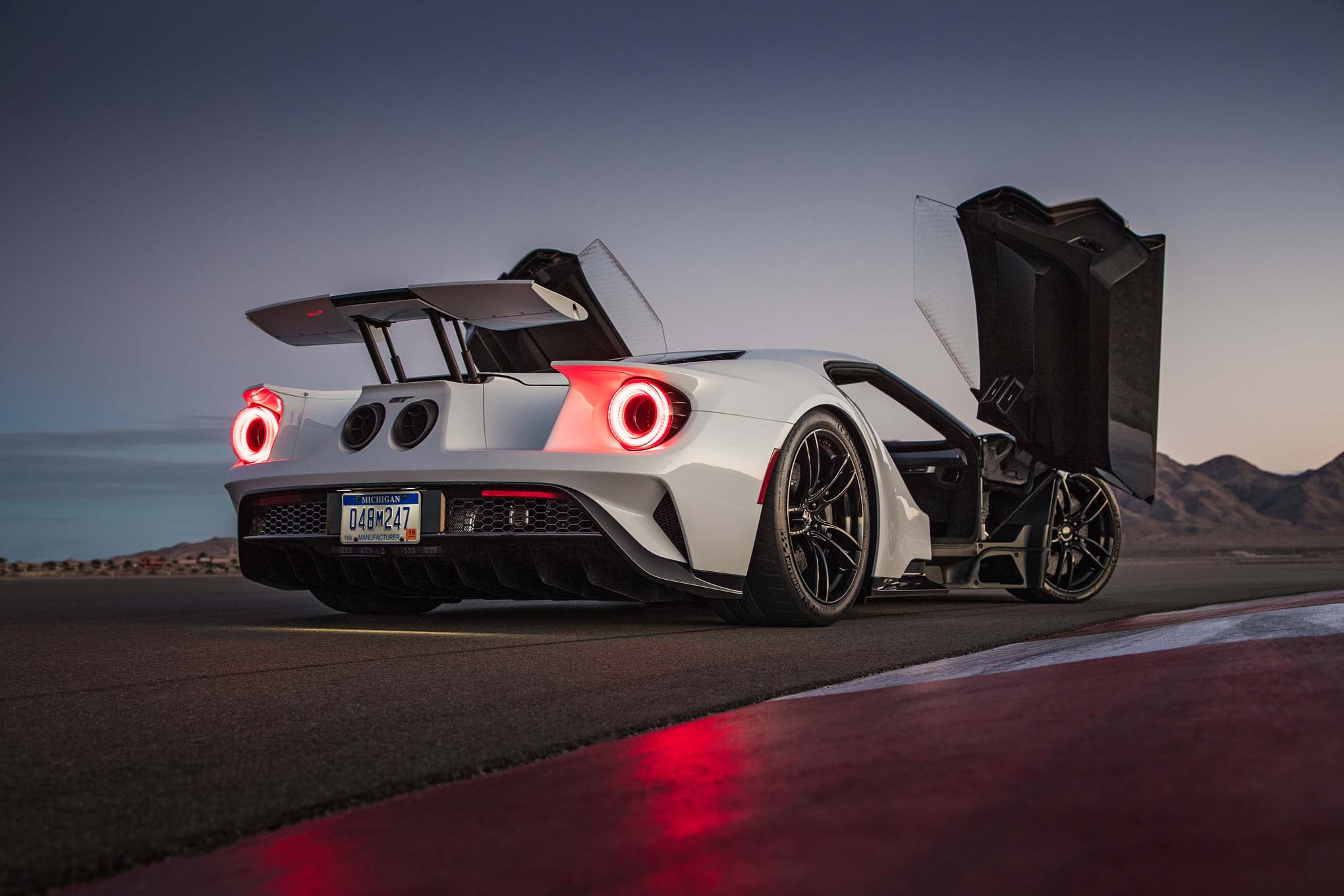 We Know The Ecoboost V Will Be Thirsty In The  Ford Gt However We Still Dont Know Exactly How Powerful Itll Be Moto Networks