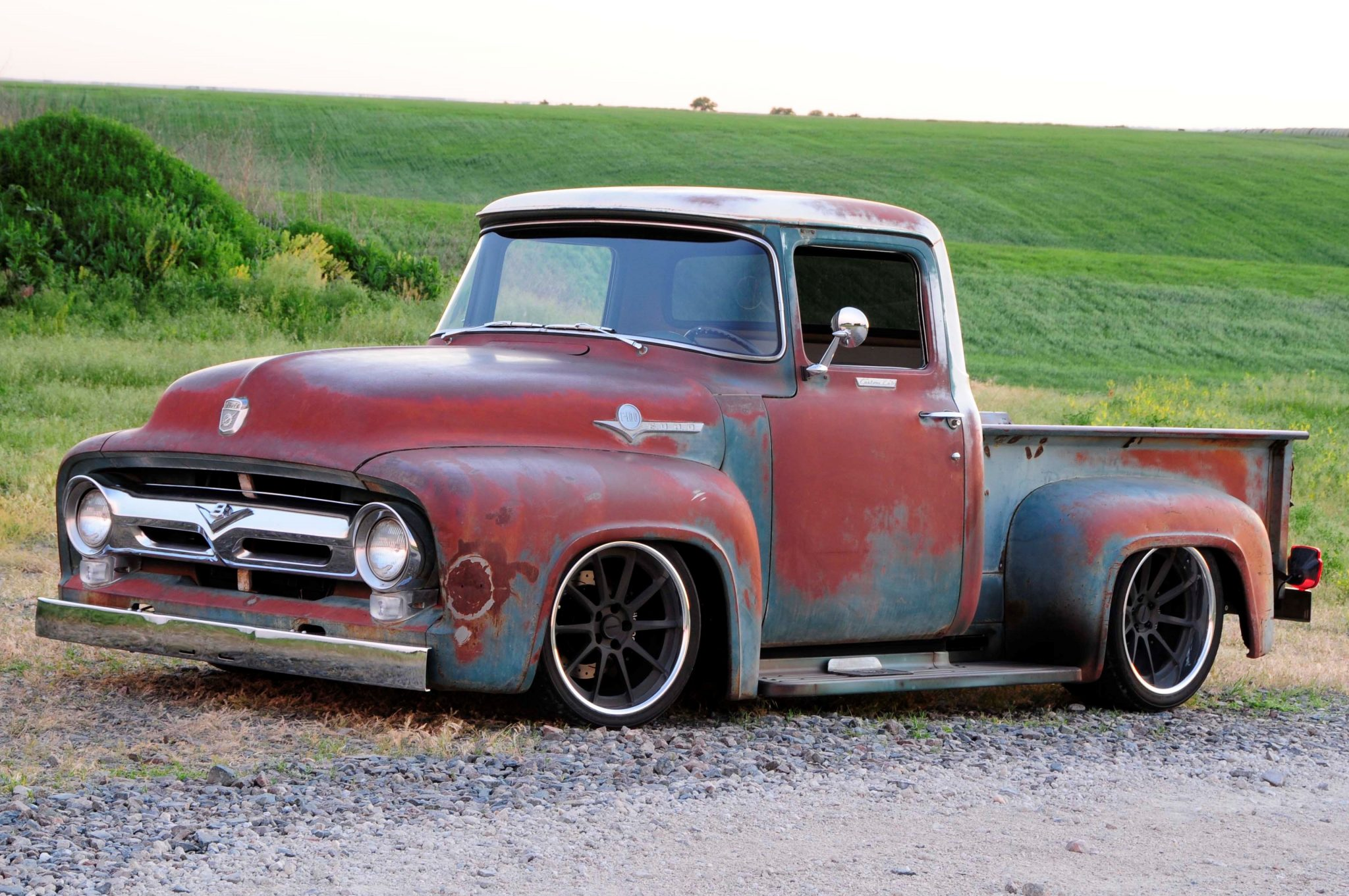 1956 ford f 100 that looks like a rundown old pickup truck. Black Bedroom Furniture Sets. Home Design Ideas