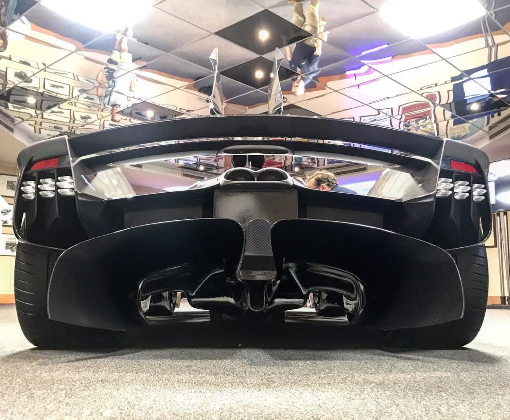 leaked information on the aston martin valkyrie proves it will be a