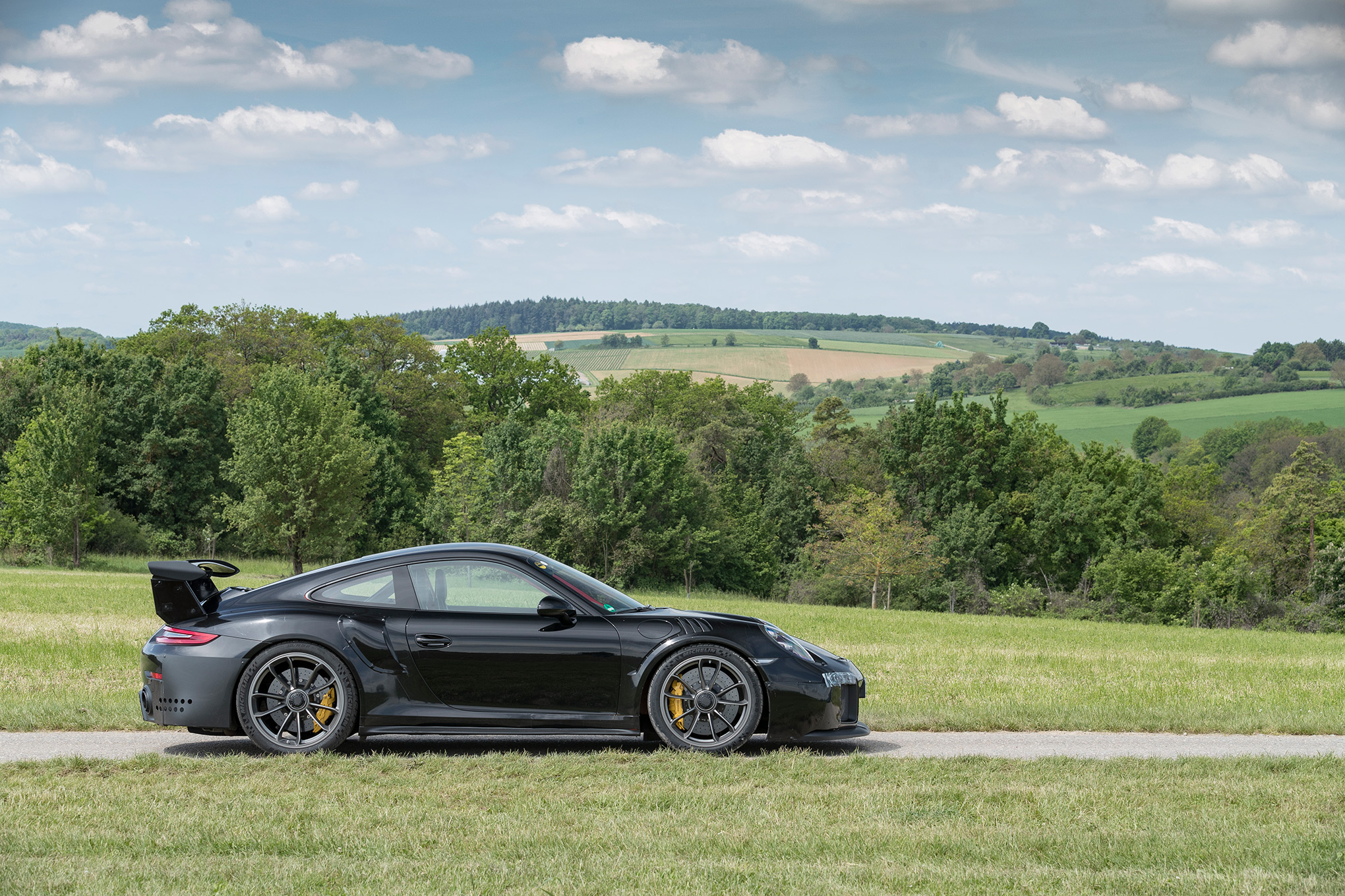this is the new 700hp porsche 911 gt2 rs is it better than the beloved gt3 r. Black Bedroom Furniture Sets. Home Design Ideas