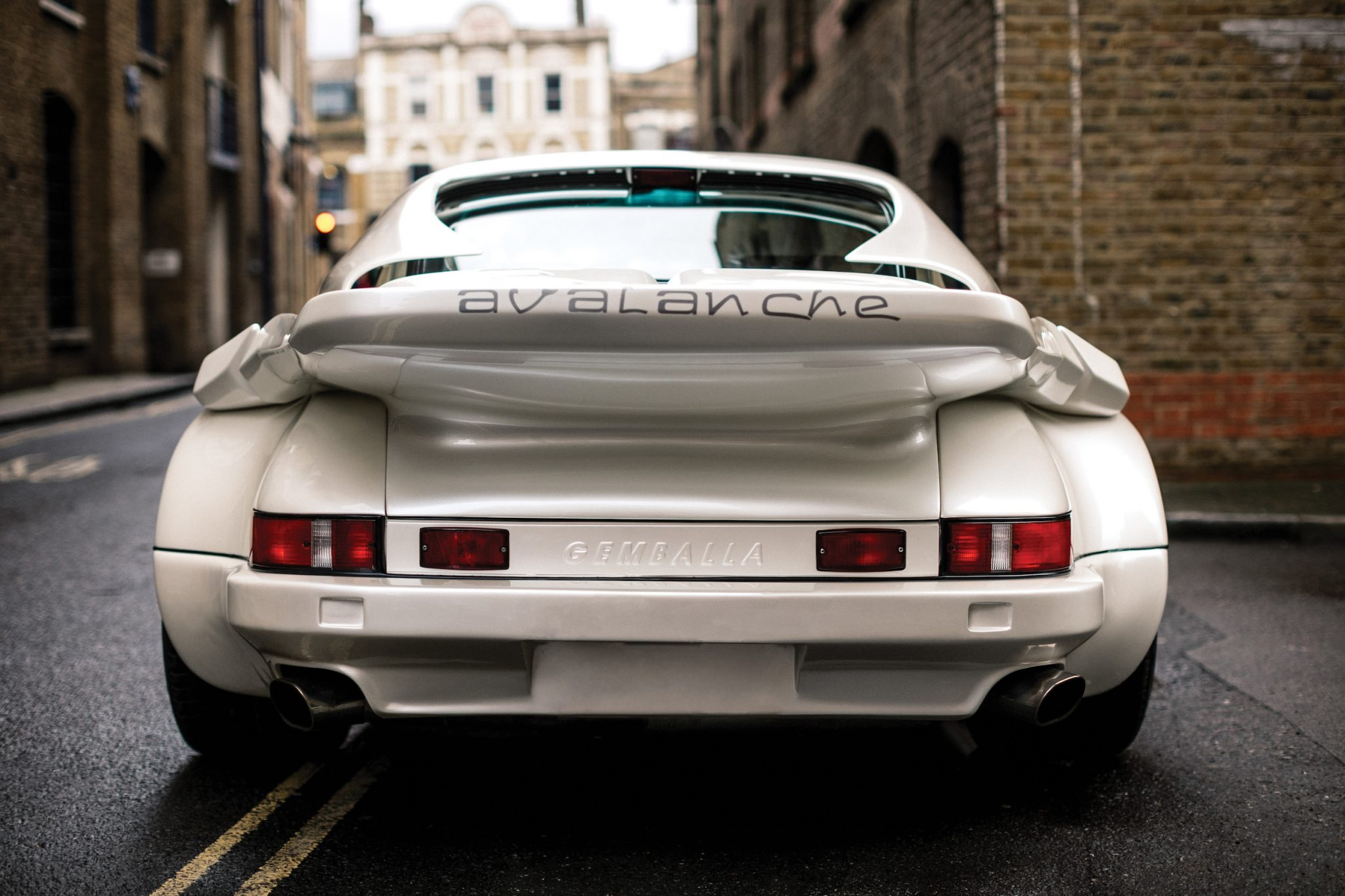 The Gemballa 930 Porsche Is A Time Machine Back To The 80's - Moto Networks