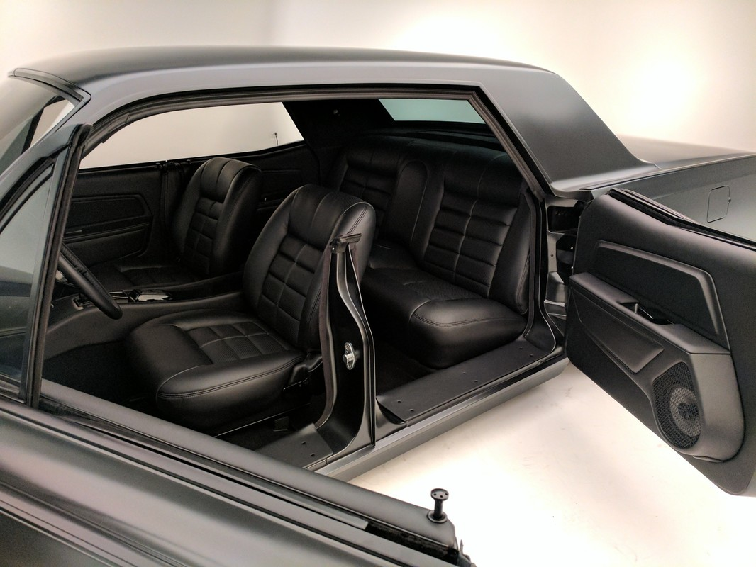 Just When You Think The Lincoln Continental Couldn\'t Be Any Cooler ...