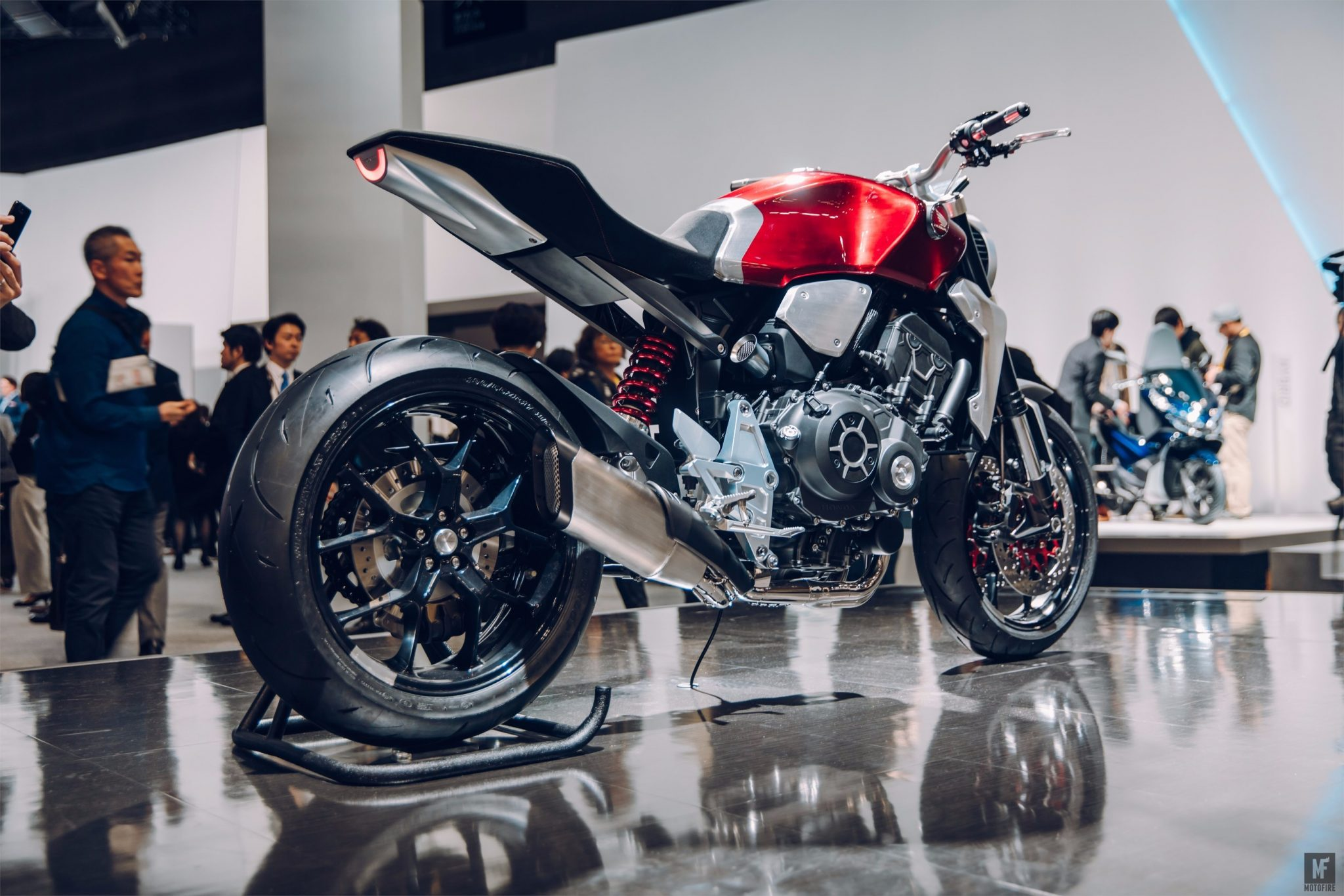 Honda Envisions The Future Of Cafe Racers With Their Neo